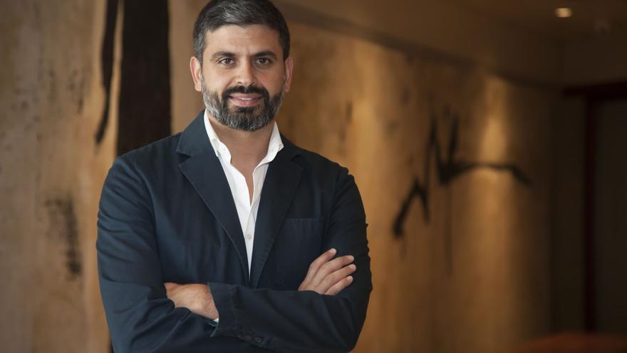 Nicolás Castellano, periodista de la Cadena SER, en un retrato reciente
