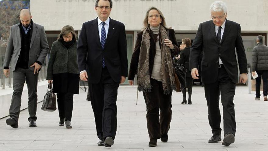 Mas dice que Cataluña debe recordar su historia para abrir nuevos horizontes