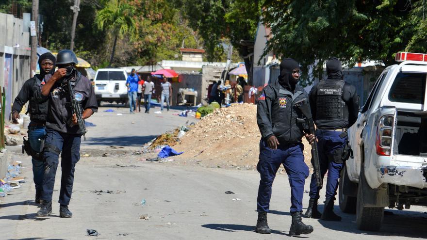 El balance oficial cifra en 25 los fallecidos durante una fuga de un penal de Haití