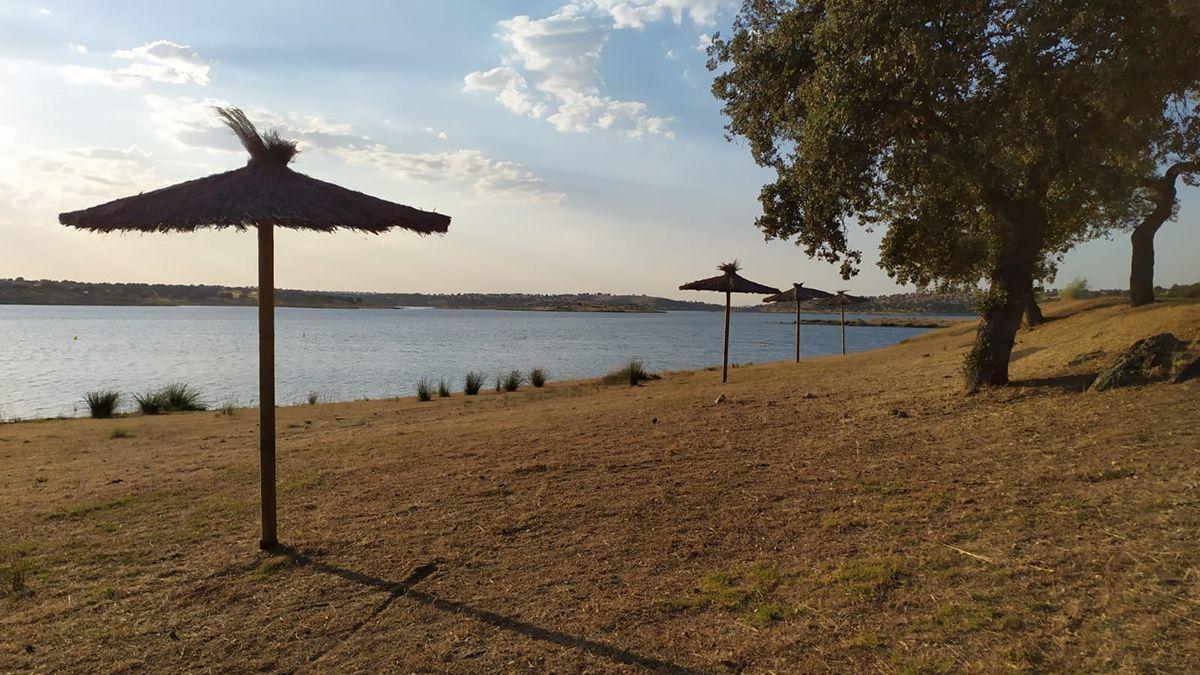 Playa de La Colada preparada para iniciar la temporada de baño 2021.