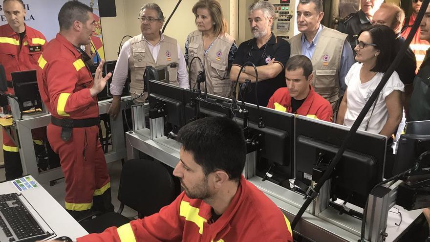 El equipo de la UME explica la situación de Juan Ignacio Zoido y Fátima Báñez