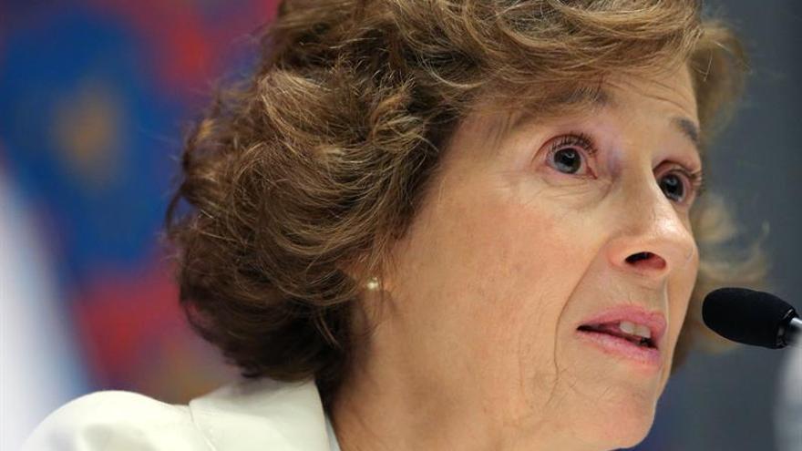 Julia Navarro dice que las tecnologías hacen más vulnerables a los ciudadanos