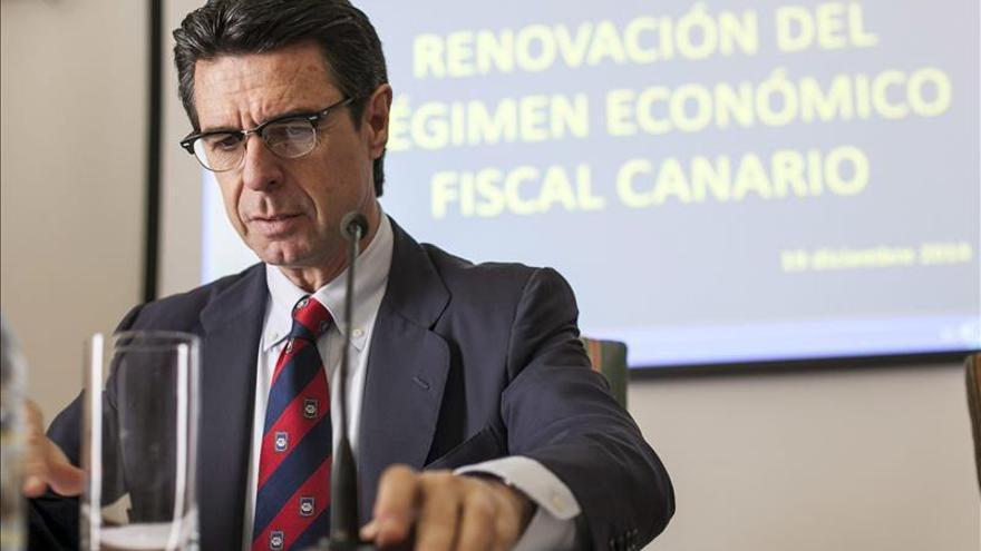 Soria prevé para finales de 2015 un precio de la energía similar al de 2014