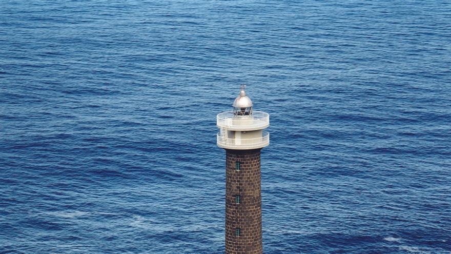 Faro de Punta Cumplida, en la costa del municipio de Barlovento, el primer faro con hotel de Canarias.
