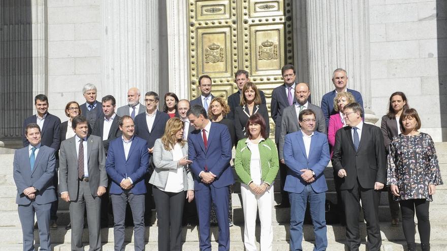 Pedro Sánchez quiere reunir a sus 'barones' en Ferraz antes del Comité Federal