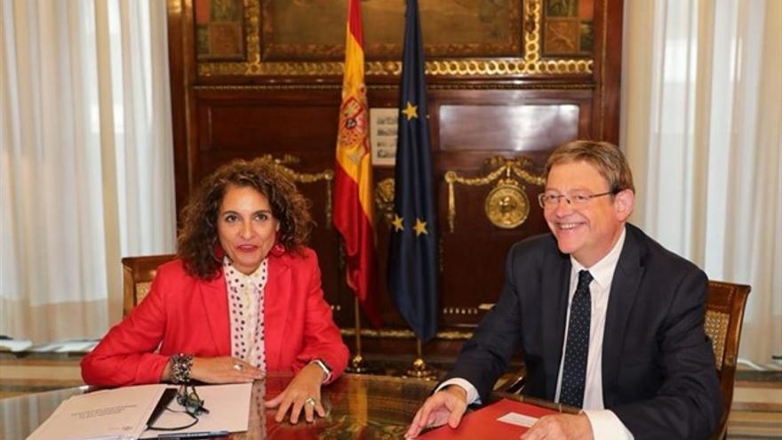 La ministra de Hacienda, María Jesús Montero, junto al president Ximo Puig.