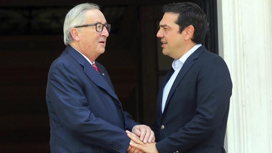 Tsipras redoble esfuerzos para cerrar el rescate mientras el FMI sigue reticente