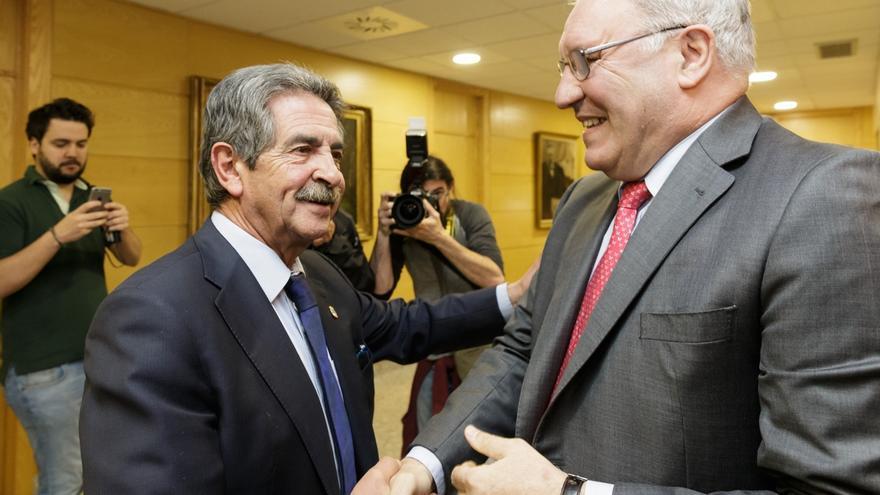 El Gobierno regional, dispuesto a apoyar las inversiones de Sidenor en Reinosa