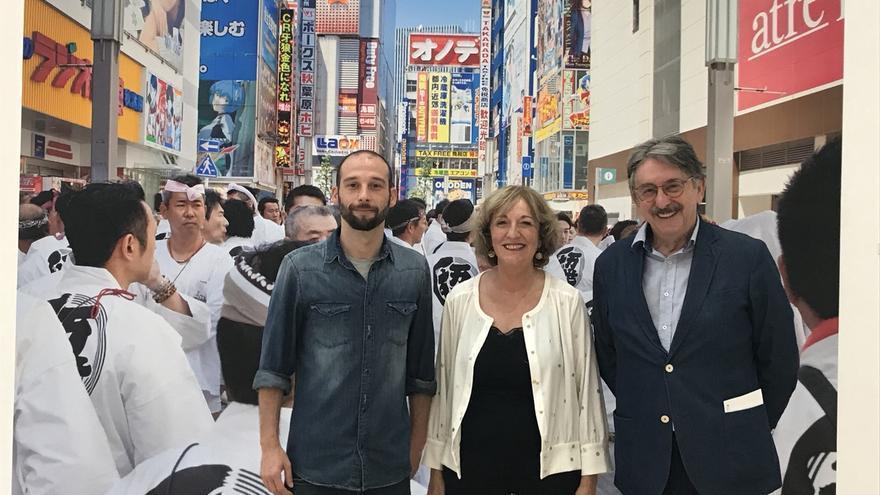 Eduardo Rivas enfrenta la tradición y la modernidad de Japón en una muestra de 54 fotografías en la Biblioteca Central