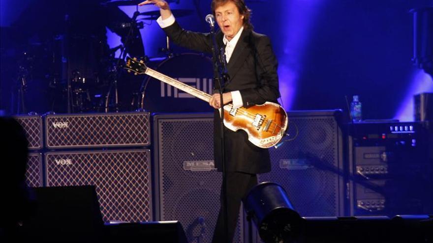 Bajo la lluvia, Paul McCartney conquista a los brasileños en Sao Paulo