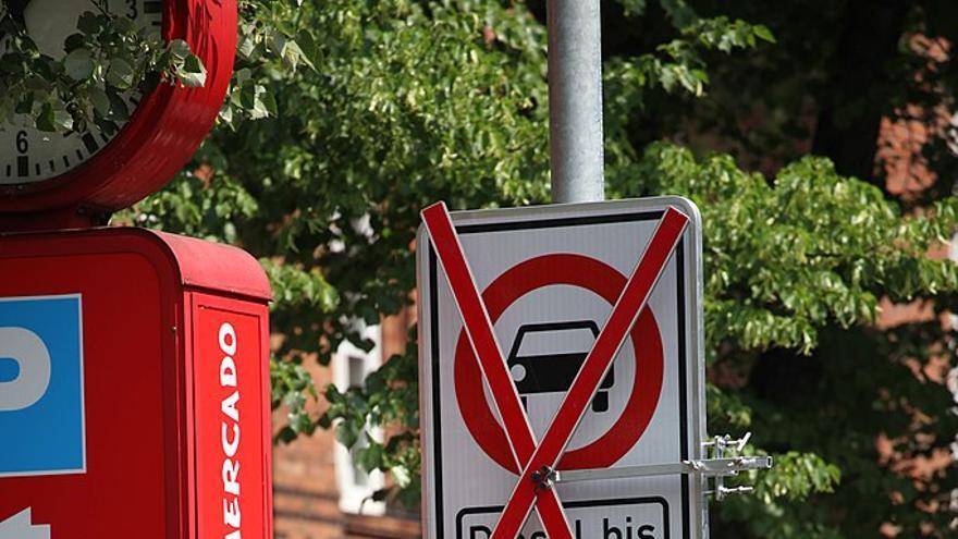 Calle prohibida para coches diésel en Hamburgo.