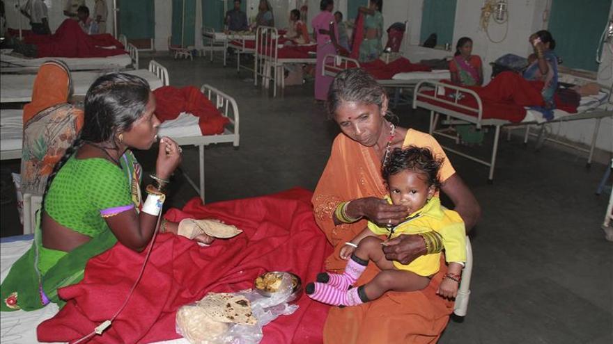 Investigan fármacos recetados a 13 mujeres indias muertas en esterilizaciones