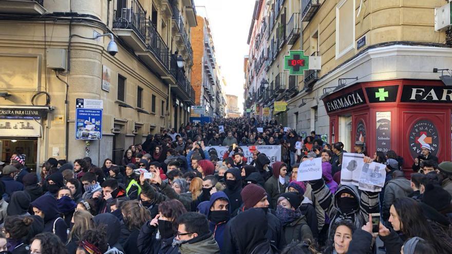 """Parte de la manifestación para pedir """"justicia"""" tras la muerte de un mantero en Madrid / David Noriega"""