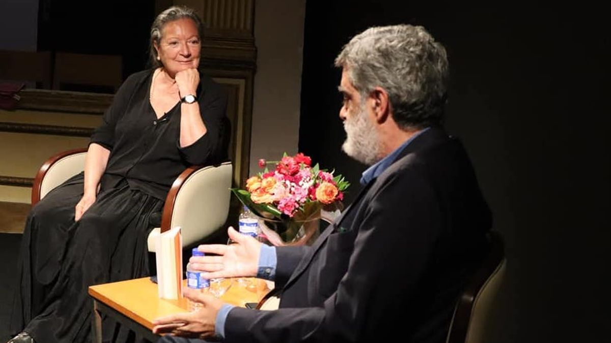 Elsa López y Anelio Rodríguez durante el encuentro.