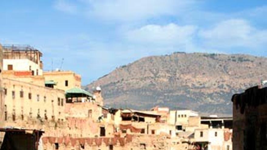 Cauce del Oued Fes a su paso por el barrio de las curtidurías. VIAJAR AHORA