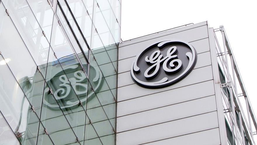Accionistas de General Electric muestran rechazo a los salarios de sus ejecutivos