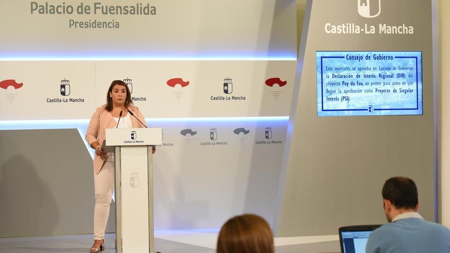 Tita García Elez, consejera de Fomento de Castilla-La Mancha