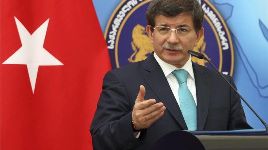 Turquía acusa a Al Asad de ejecutar una limpieza étnica como la de Bosnia