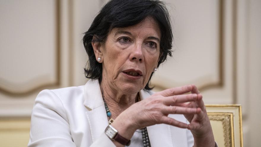 La ministra de Educación, Isabel Celáa, en una entrevista con eldiario.es. / Olmo Calvo