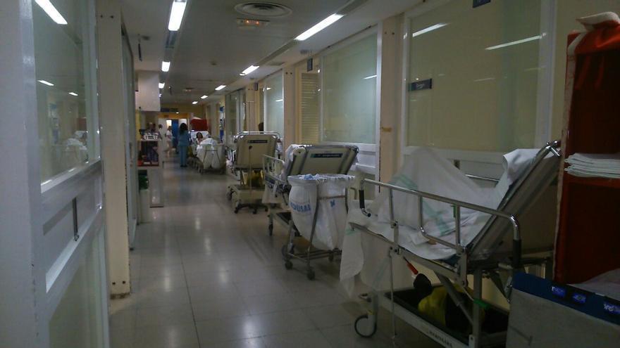 Foto 2, pasillo oculto del hospital 'Virgen de la Salud', Toledo, 9/11/14