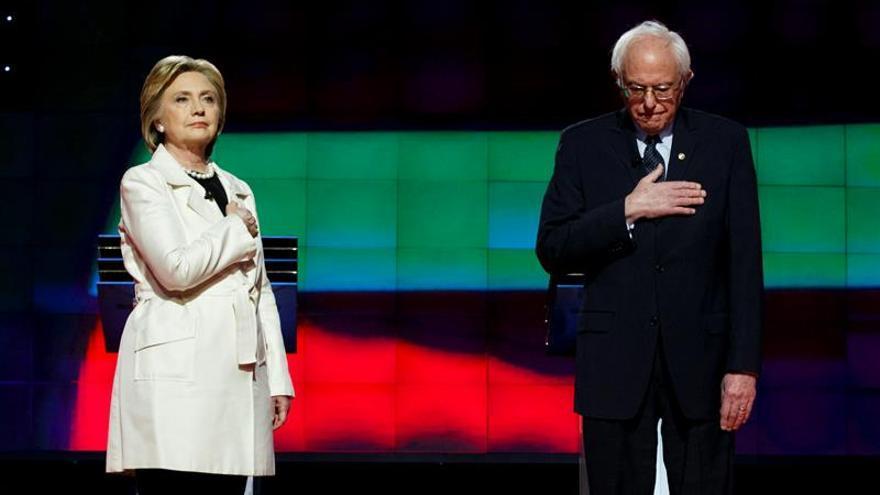Hillary Clinton y Bernie Sanders, en una imagen de archivo.