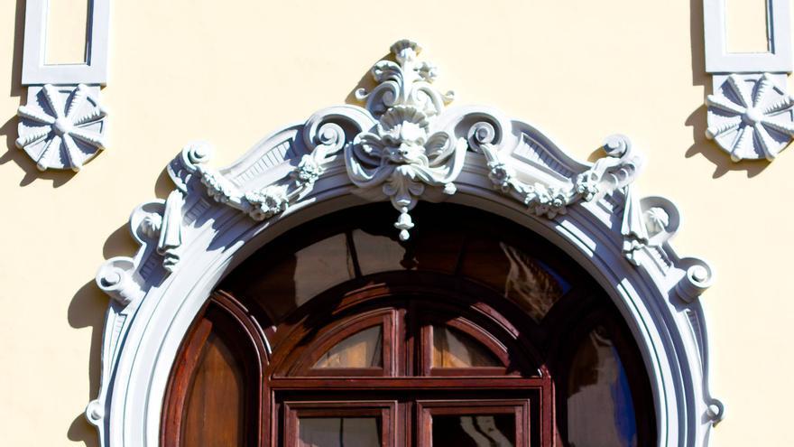 Ventana modernista de la Casa Machado y Llarena, en La Orotava.