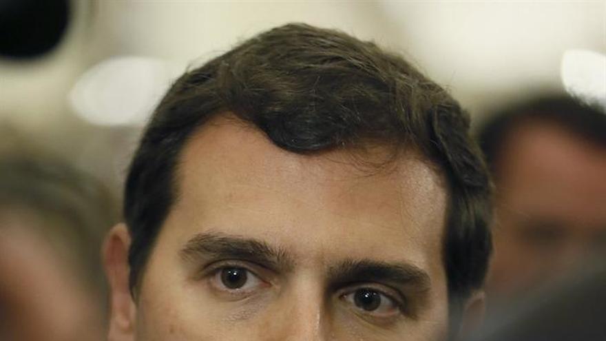 Rivera pide al Gobierno que no plantee la vía estatutaria como solución