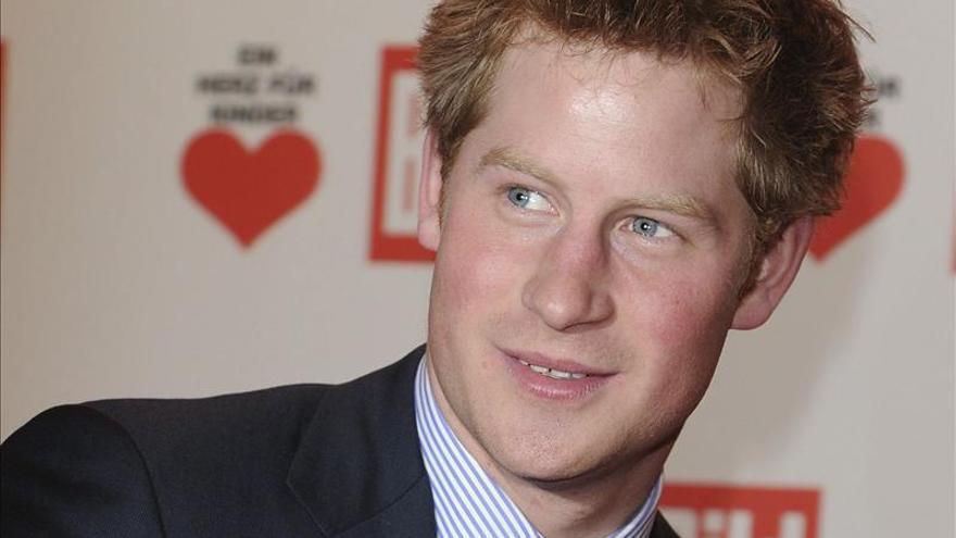 El príncipe Enrique de Inglaterra es criticado por los pacifistas