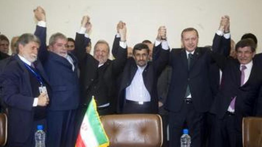 Ahmadineyad, Lula y Erdogan