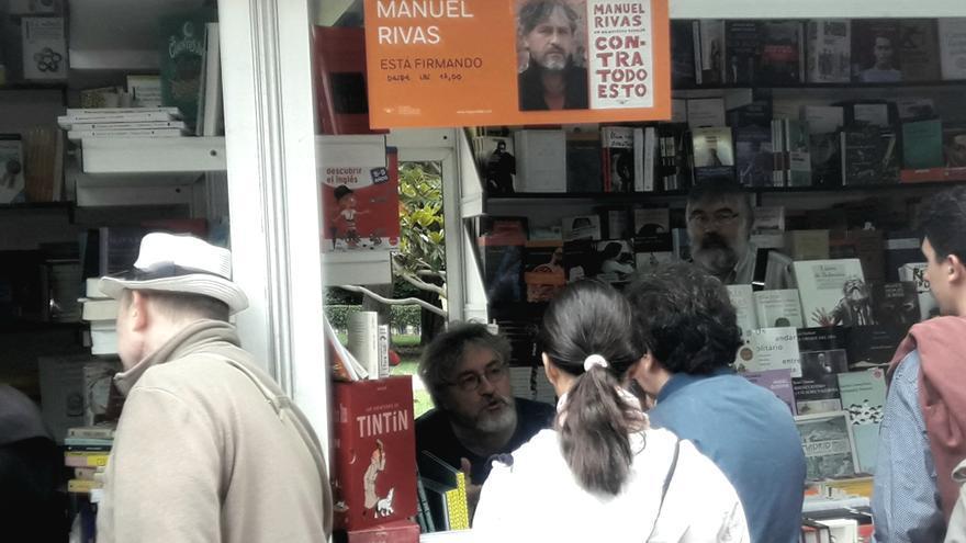 El escritor Manuel Rivas dialoga con lectores