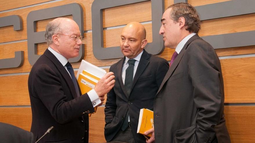José Luis Feito, presidente del IEE, Jaime García-Legaz y Juan Rosell, presidente de CEOE, en febrero de 2015. Foto: IEE