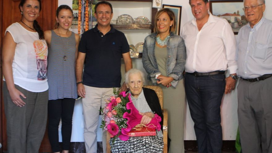 Doña Fe recibió la visita del grupo de Gobierno del Ayuntamiento de El Paso.