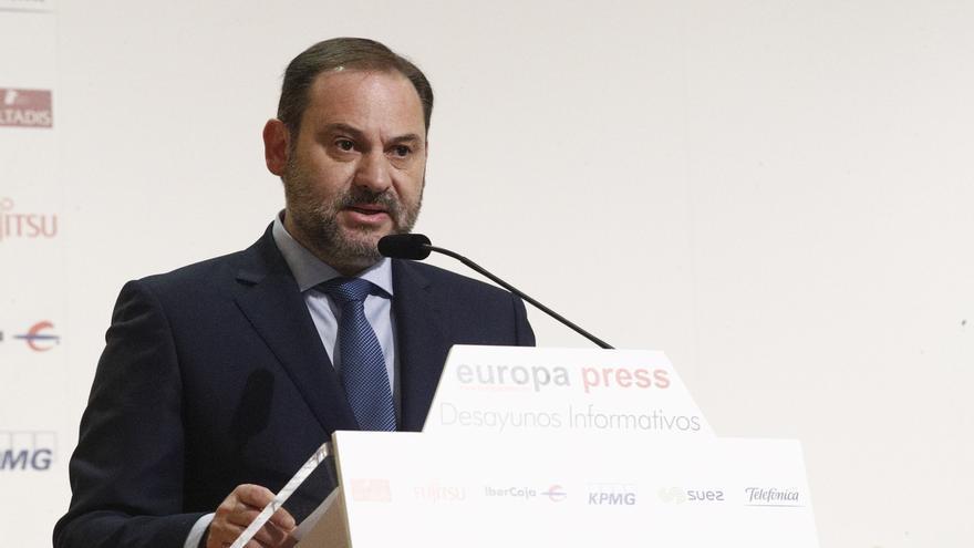 Ábalos responde a Page que Albert Rivera no tendría cabida en el PSOE en el que él se afilió