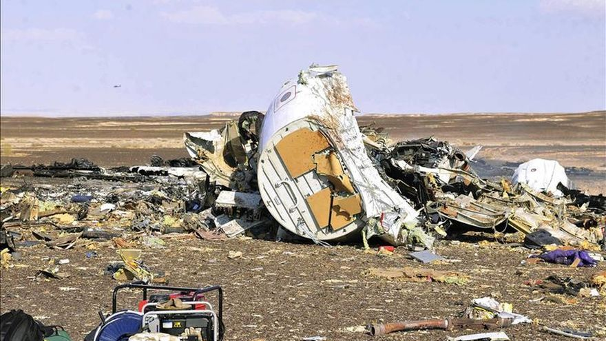 Continúan en el Sinaí las labores de recuperación de cuerpos del avión ruso