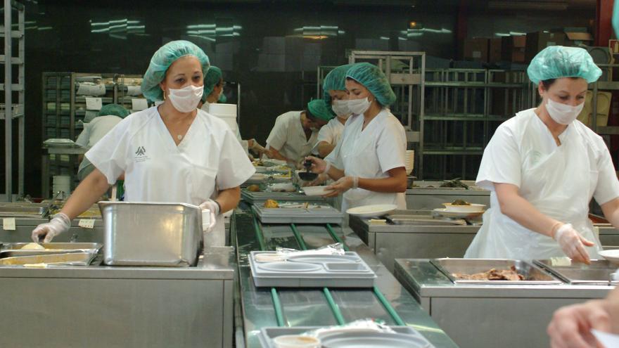 La mayor parte de los puestos a tiempo parcial están ocupados por mujeres. EUROPA PRESS