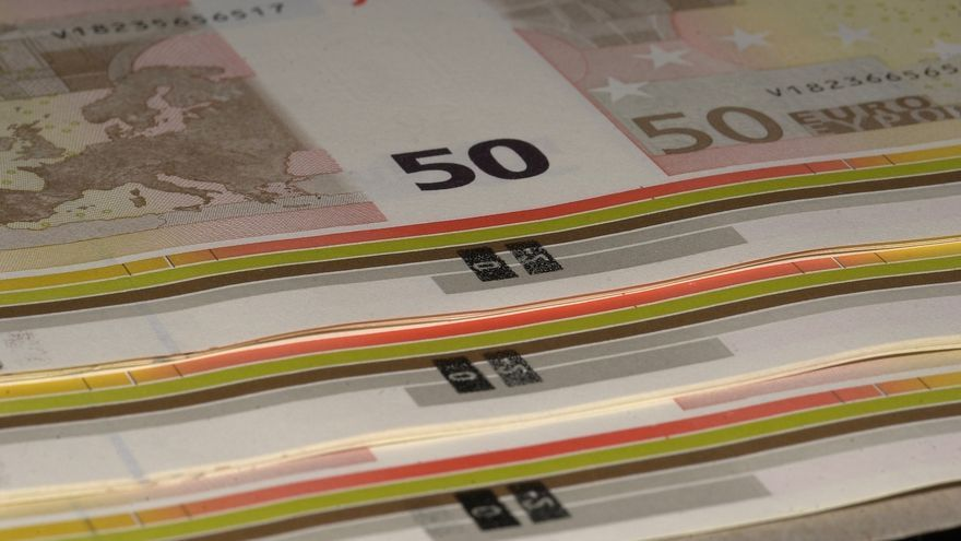 El Tesoro supera su objetivo y coloca 4.550 millones en letras a tipos más bajos