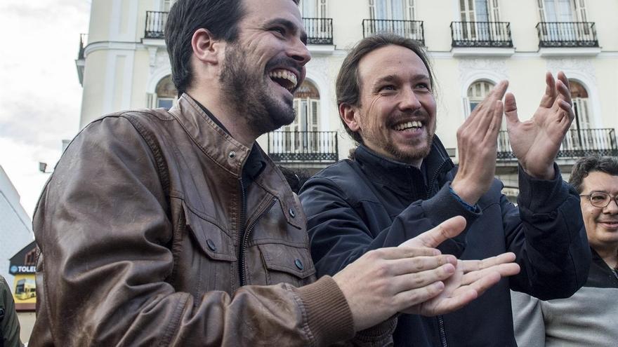 """Pablo Iglesias quiere trabajar """"codo con codo"""" con Garzón pero no concreta cuál será su papel en el grupo del Congreso"""