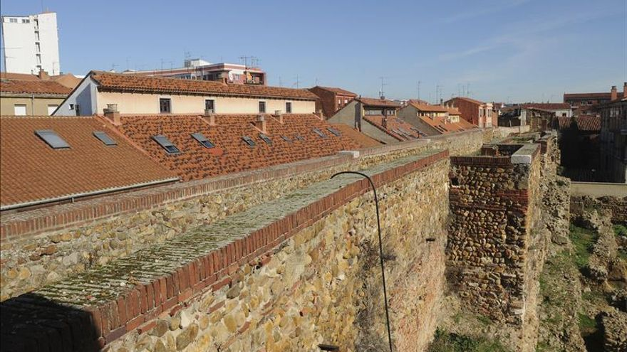 Un paseo de 88 metros por 2.000 años historia y algún tesoro oculto en León