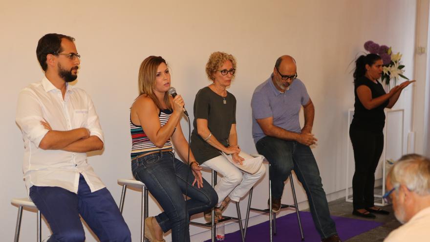 Los consejeros de Podemos en el Cabildo de Gran Canaria, en la presentación de la memoria del primer año de trabajo ALEJANDRO RAMOS