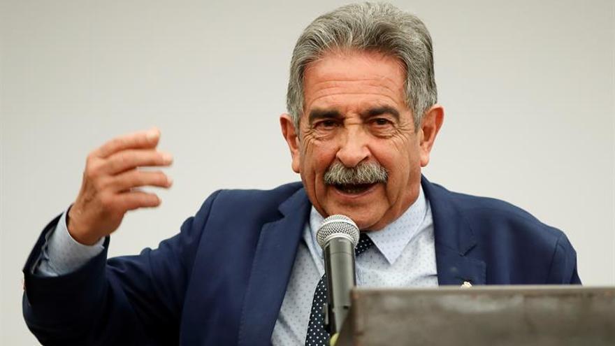 Revilla, muy decepcionado al no recoger PGE los compromisos de Sánchez con Cantabria