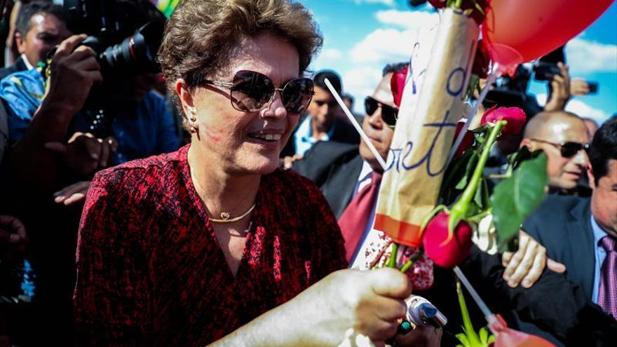 Rousseff vuelve a pedir al Supremo que anule su destitución