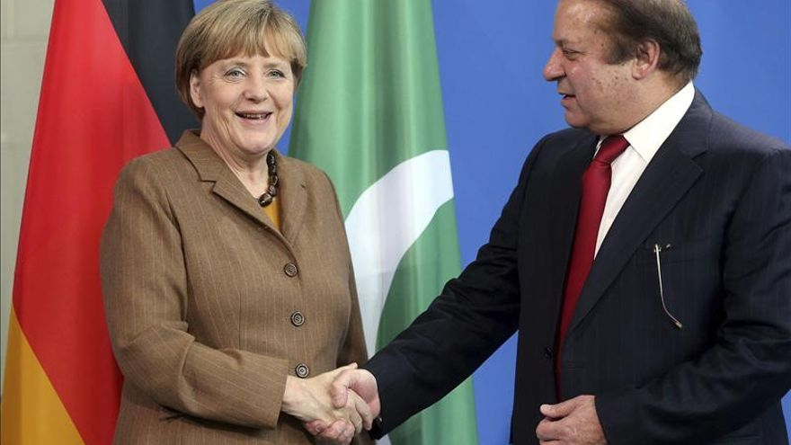 Merkel anima a Pakistán a cooperar con Afganistán en la lucha antiterrorista
