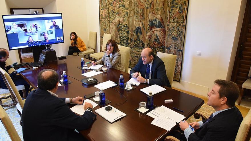 Videoconferencia del Ejecutivo castellanomanchego con los partidos políticos