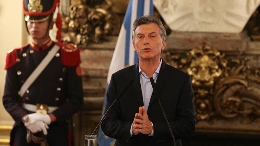 """El Gobierno de Macri dice que su credibilidad """"está intacta"""" tras un año de victoria"""
