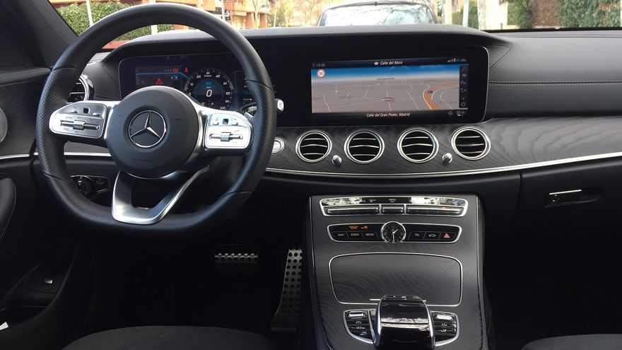 Interior del Mercedes E 300 de Estate.