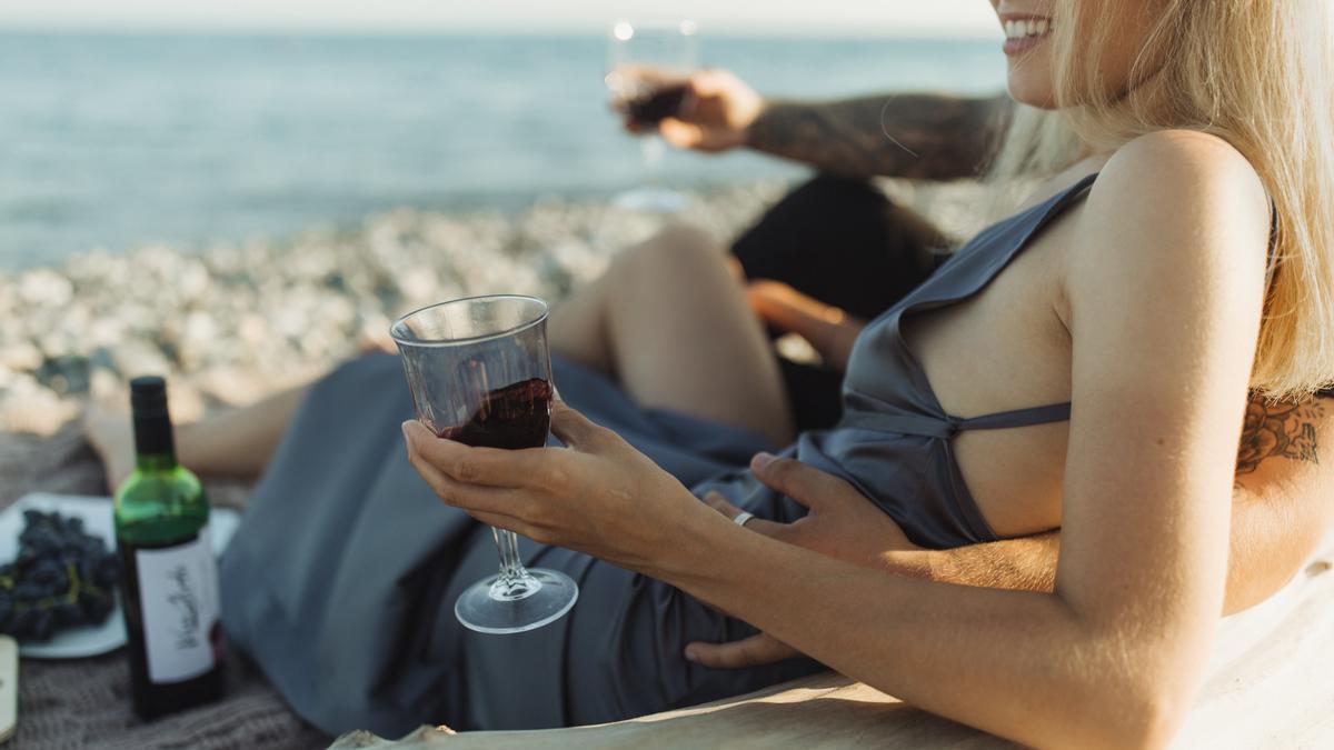 Un vino en la playa