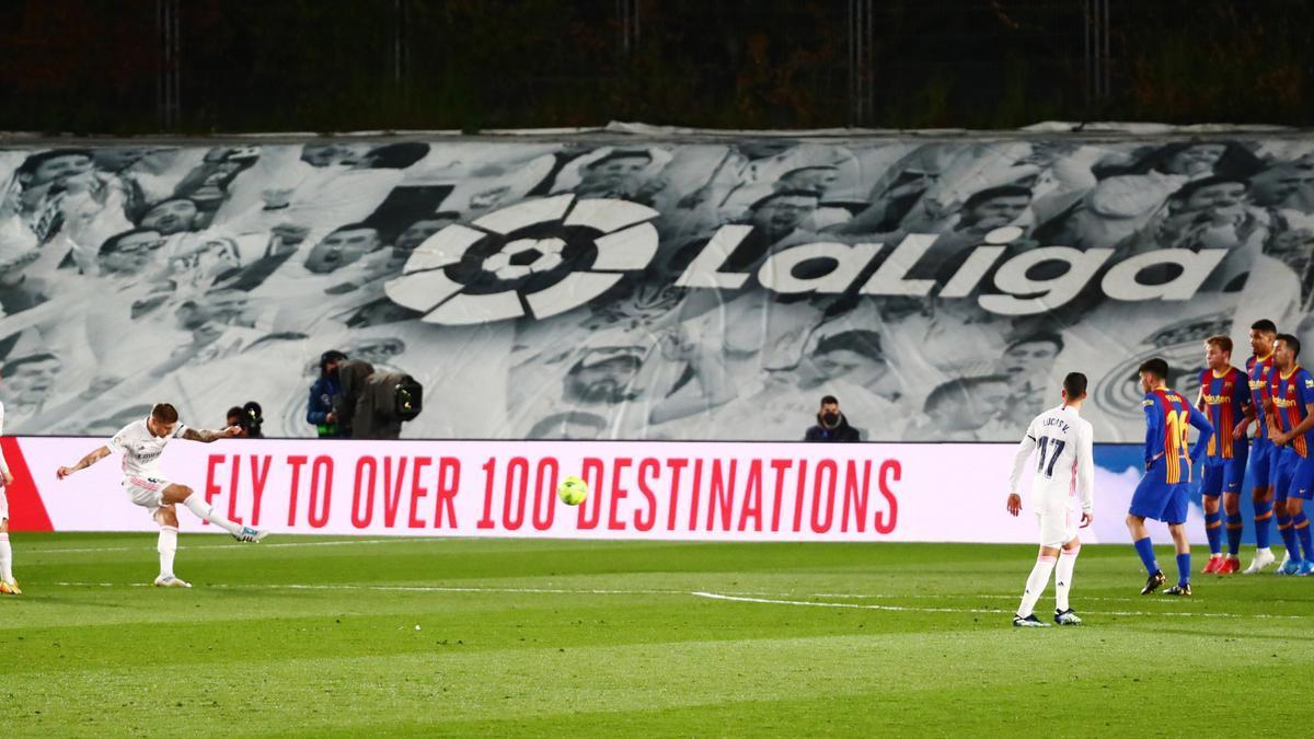 Partido entre el Real Madrid y el FC Barcelona disputado el pasado abril.