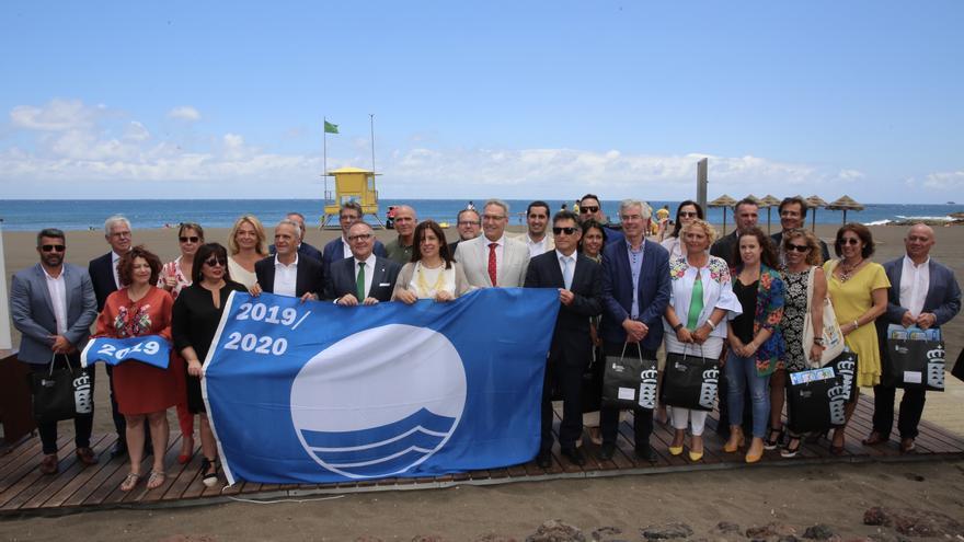 Entrega de las 'Banderas Azules' a las playas de Canarias.