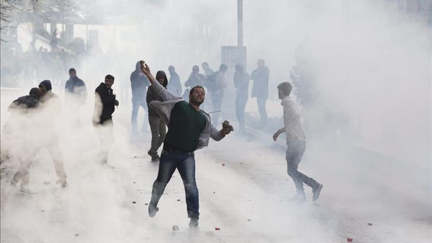Choques con la policía en Kosovo tras el arresto de una diputada opositora