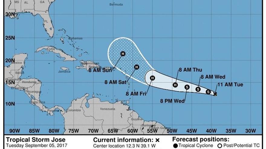 José permanece como categoría 4 en su camino a aguas abiertas del Atlántico
